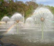Arco iris de la fuente Fotos de archivo libres de regalías