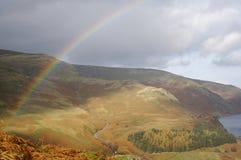 Arco iris de la montaña Fotos de archivo