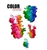 Arco iris de la tinta de acrílico en agua Explosión del color Fotografía de archivo libre de regalías