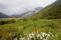 Arco iris del valle imagen de archivo libre de regalías