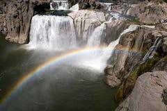 Arco iris durante caídas del Shoshone Imágenes de archivo libres de regalías