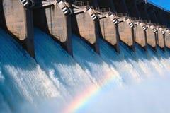 Arco iris en aliviadero Imagen de archivo libre de regalías