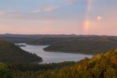 Arco iris en el lago quebrado bow Imagen de archivo libre de regalías