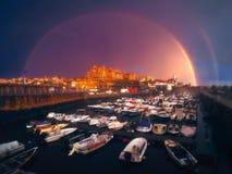 Arco iris en el puerto viejo de Guecho Imagenes de archivo