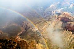 Arco iris en la barranca magnífica foto de archivo libre de regalías