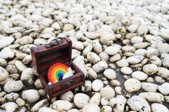 Arco iris en la caja imagen de archivo libre de regalías
