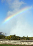 Arco iris en la niebla foto de archivo