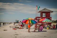 Arco iris en la playa de la llave de la siesta fotografía de archivo libre de regalías