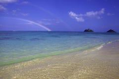 Arco iris en la playa del lanikai, Hawaii Foto de archivo libre de regalías