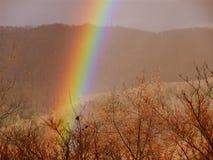 Arco iris en las montañas Foto de archivo libre de regalías