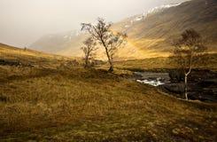 Arco iris escocés de las montañas Fotos de archivo libres de regalías