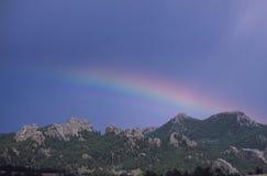 Arco iris parcial, área de reconstrucción de Vedauwoo, Wyoming Imagen de archivo