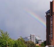 Arco iris sobre Basingstoke Imágenes de archivo libres de regalías