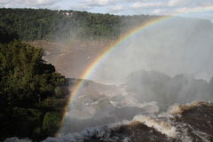 Arco iris sobre iguazu argentino Imágenes de archivo libres de regalías