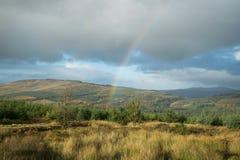 arco iris sobre las montañas Imágenes de archivo libres de regalías