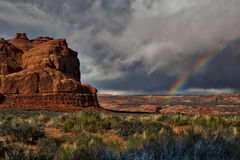 Arco iris sobre parque nacional de los arcos Fotografía de archivo libre de regalías