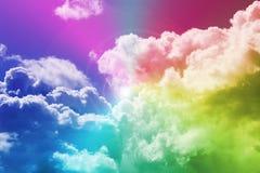 Arco iris y nubes