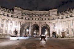 Arco Londres del Ministerio de marina por la noche Londres Reino Unido Foto de archivo
