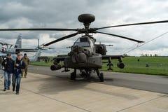 Arco longo de Boeing AH-64D Apache do helicóptero de ataque Foto de Stock