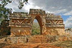 Arco Mayan di trionfo immagini stock