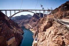 Arco memorável da ponte sobre a barragem Hoover próxima do Rio Colorado Foto de Stock