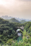 Arco natural, cueva de Xiangqiao en Guangxi Foto de archivo libre de regalías
