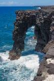 Arco natural nos vulcões parque nacional, Havaí Fotos de Stock