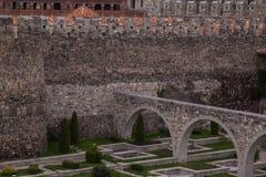 Arco nell'iarda della contea del castello di rabati fotografie stock libere da diritti