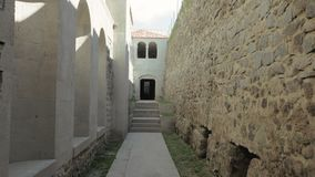 Arco no castelo de Rabati - Geórgia vídeos de arquivo