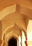 Arco ornamental en el pasillo de la gente del palacio del maratha del thanjavur Imagen de archivo libre de regalías
