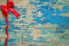 Arco rosso con il nastro Decorazione di festa Fotografia Stock