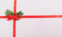 Arco rosso del nastro del regalo Fotografia Stock Libera da Diritti