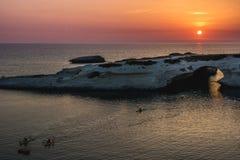 Arco scavato-fuori del calcare, Di Santa Caterina, Sardegna, Italia di Archittu del ` di S Fotografia Stock Libera da Diritti