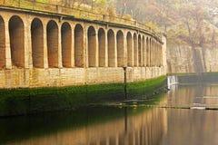 Arco sobre um rio Foto de Stock