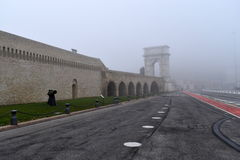 Arco Traiano με την ομίχλη, Ανκόνα, Marche, Ιταλία Στοκ Φωτογραφίες