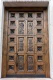 ARCO, TRENTINO/ITALY - 28 MAART: Houten Deur van Collegiaal Royalty-vrije Stock Afbeelding