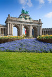 Arco trionfale a Bruxelles un giorno soleggiato Fotografia Stock
