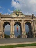 Arco trionfale del Cinquantenaire a Bruxelles fotografia stock libera da diritti