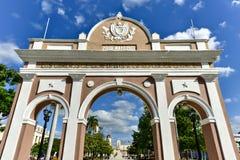Arco triunfal - Cienfuegos, Cuba fotos de stock royalty free