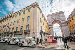 Arco triunfal de Rua Augusta no centro histórico da cidade de Lisboa em Portugal imagem de stock