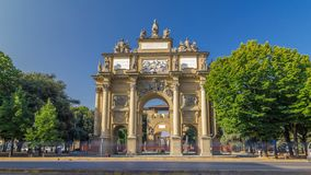 Arco triunfal do hyperlapse do timelapse de Lorena no della Liberta da praça video estoque
