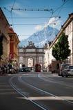 Arco triunfal modelado em Innsbruck imagens de stock royalty free