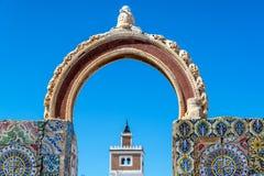 Arco velho em Tunes, Tunísia imagem de stock