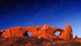 Arco Windows della roccia alla notte Fotografie Stock Libere da Diritti