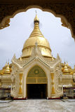 Arco y pagoda Fotografía de archivo