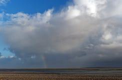 Arcobaleno in baia di Somme immagini stock
