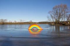 Arcobaleno congelato a re Village del lago Fotografia Stock Libera da Diritti