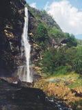 Arcobaleno della cascata fotografia stock libera da diritti