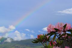 Arcobaleno della montagna Fotografie Stock Libere da Diritti