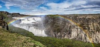 Arcobaleno di Gulfoss della cascata dell'isola Fotografia Stock